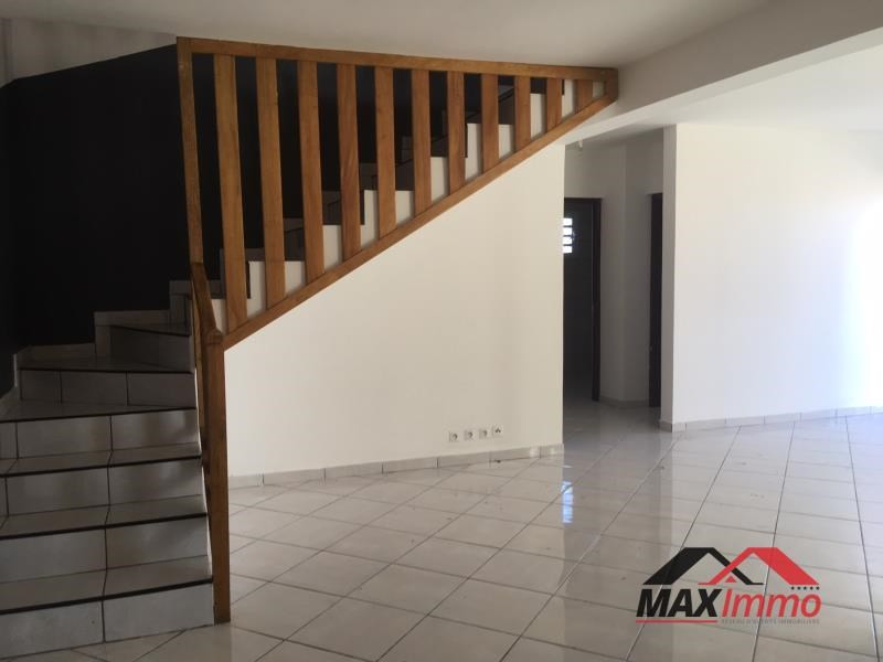 Location maison / villa Le tampon 1 100€ CC - Photo 3