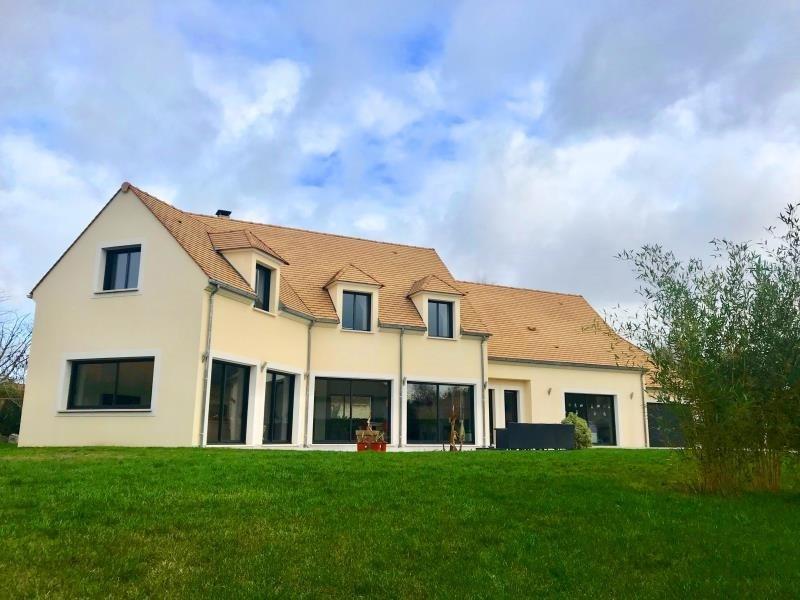 Sale house / villa Montfort l amaury 672000€ - Picture 1