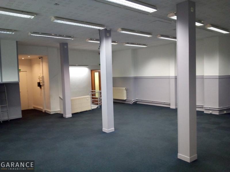 Sale empty room/storage Paris 15ème 1825000€ - Picture 2
