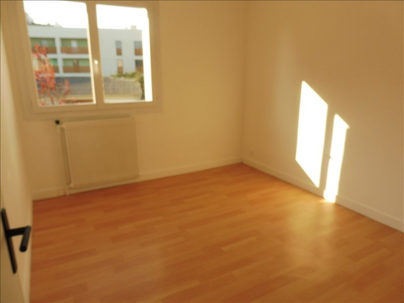 Sale apartment La roche sur yon 101 600€ - Picture 2