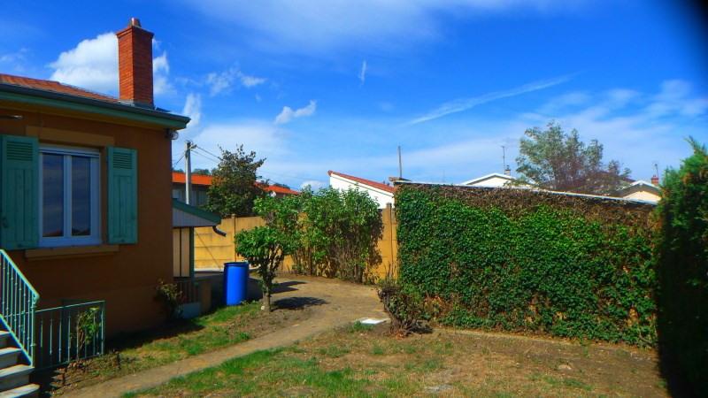 Location maison / villa Pierre benite 869€ CC - Photo 2