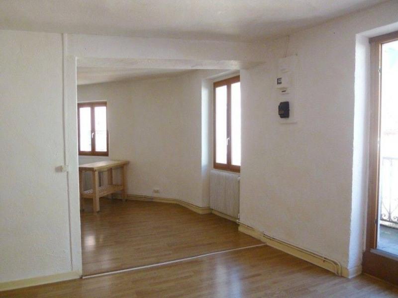 Location appartement Entre-deux-guiers 486€ CC - Photo 3