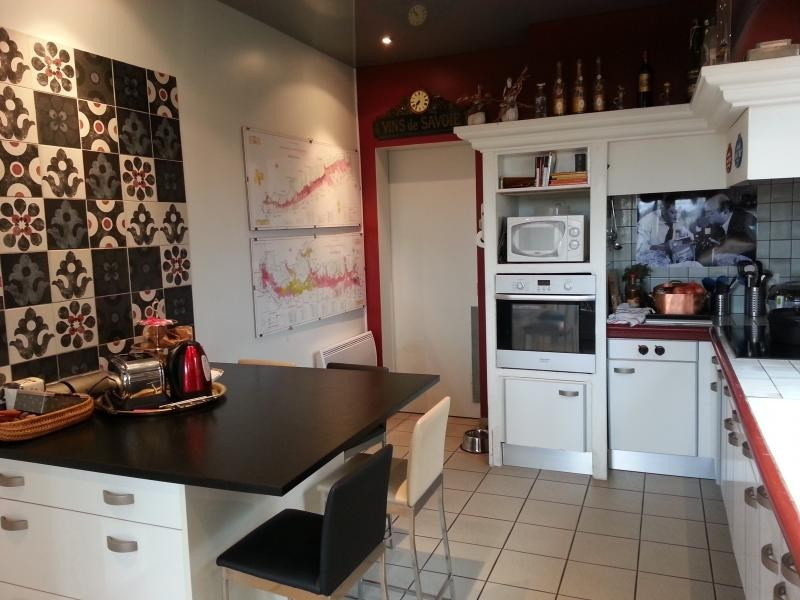 Sale house / villa L isle jourdain 499000€ - Picture 10