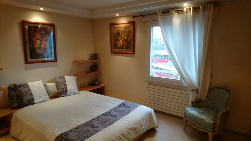 Deluxe sale apartment Gaillard 420000€ - Picture 3