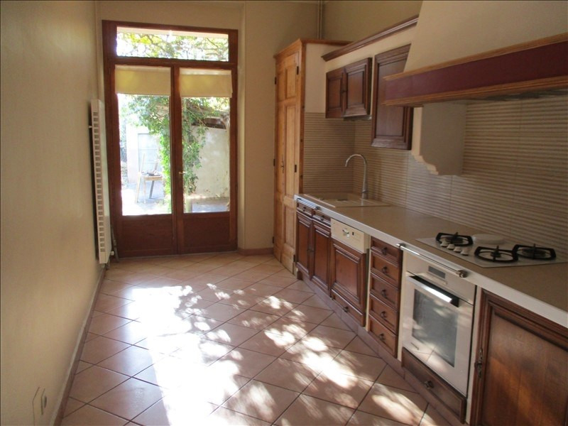Rental house / villa Salon de provence 1 480€ CC - Picture 4