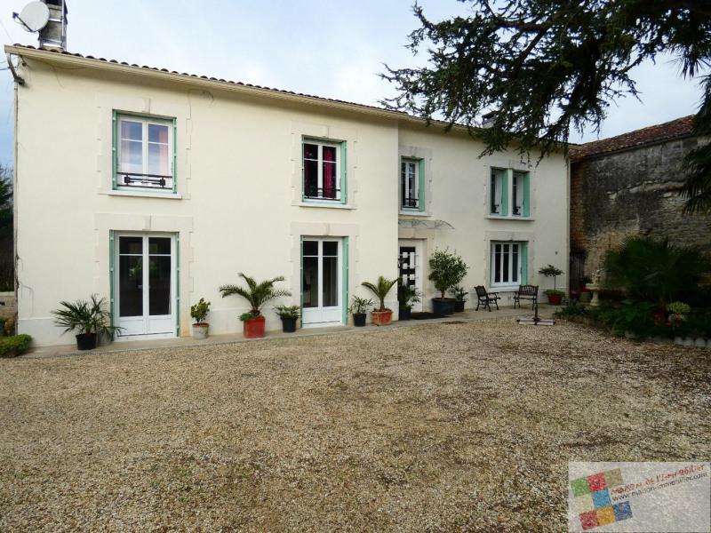 Sale house / villa St meme les carrieres 304950€ - Picture 2
