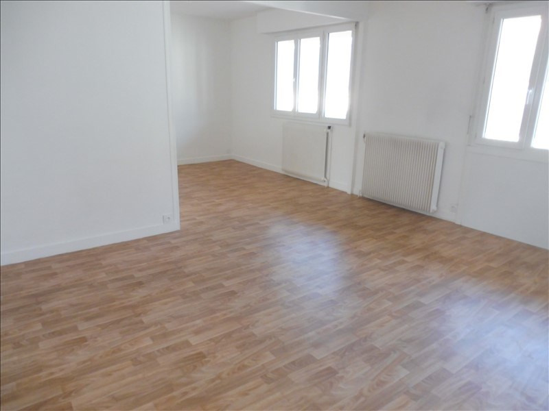 Sale apartment La roche sur yon 101 600€ - Picture 1
