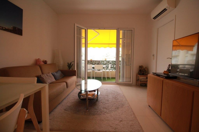 Sale apartment Nice 330 000€ - Picture 2
