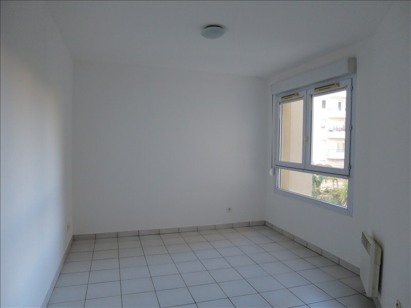 Location appartement Montpellier 591€ CC - Photo 2