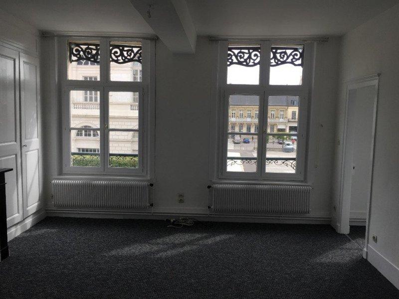 Location appartement Saint omer 645€ CC - Photo 2