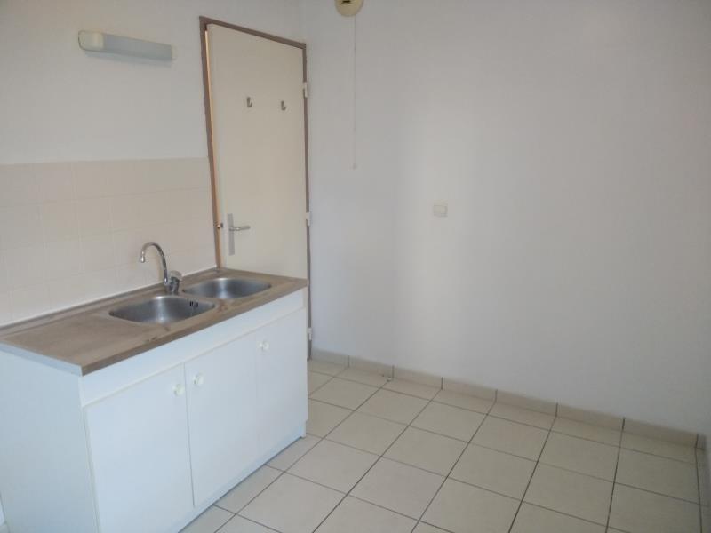 Rental apartment Vendome 460€ CC - Picture 4