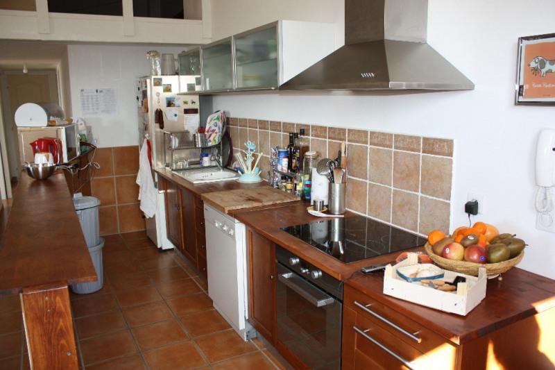 Location appartement Aix en provence 1057€ CC - Photo 3