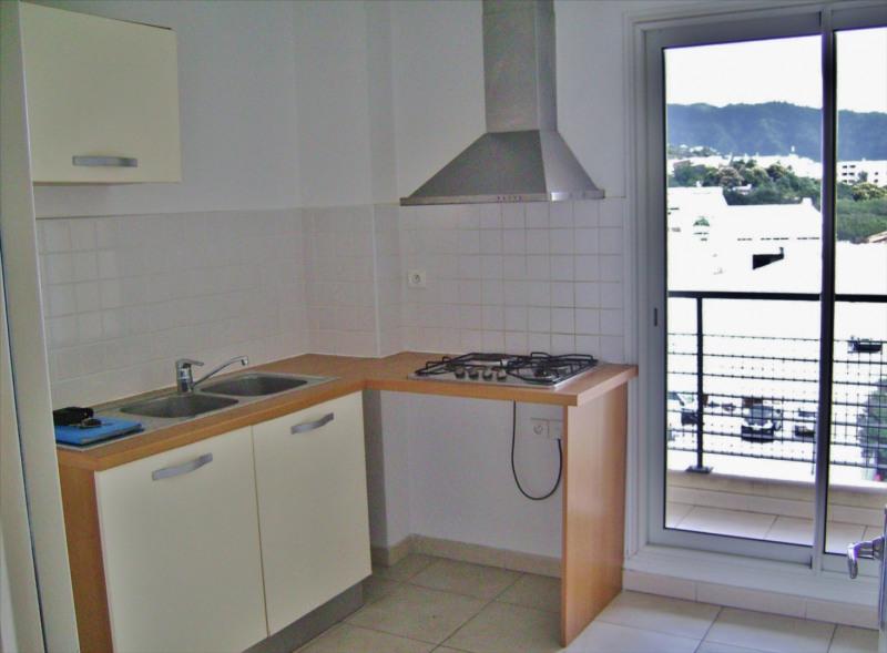Rental apartment Sainte clotilde 810€ CC - Picture 4