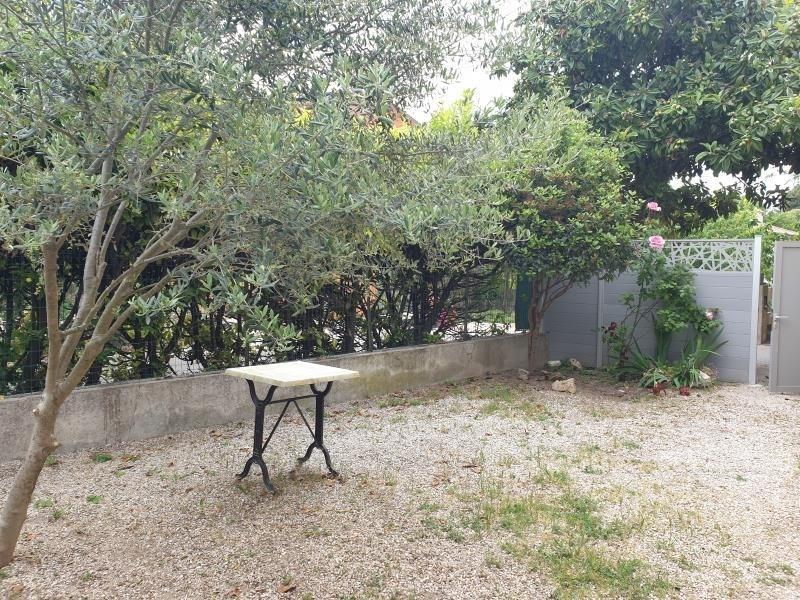 Location maison / villa Aix en provence 1000€ CC - Photo 7
