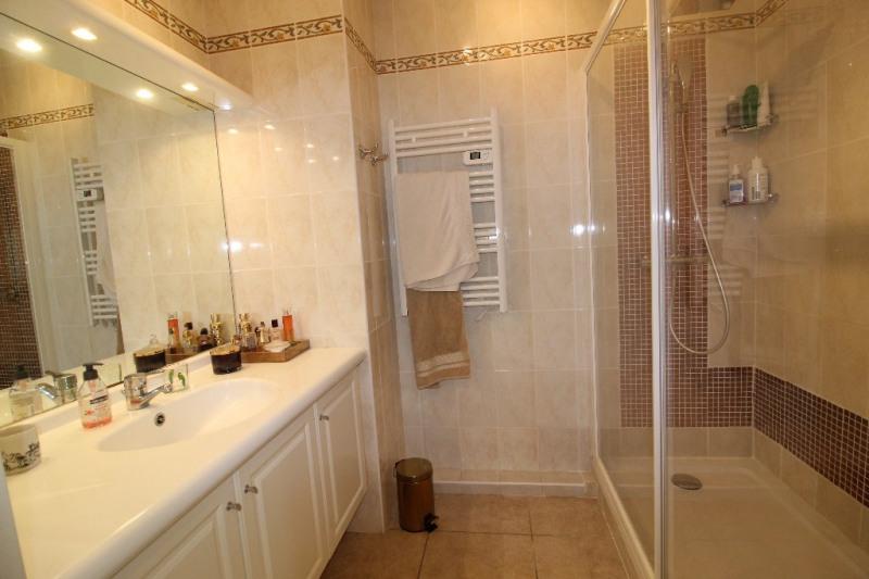 Vente appartement Hyeres 349900€ - Photo 8