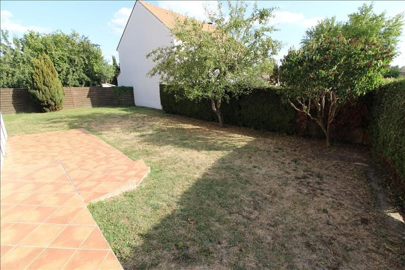 Location maison / villa Maurepas 1 896€ CC - Photo 6