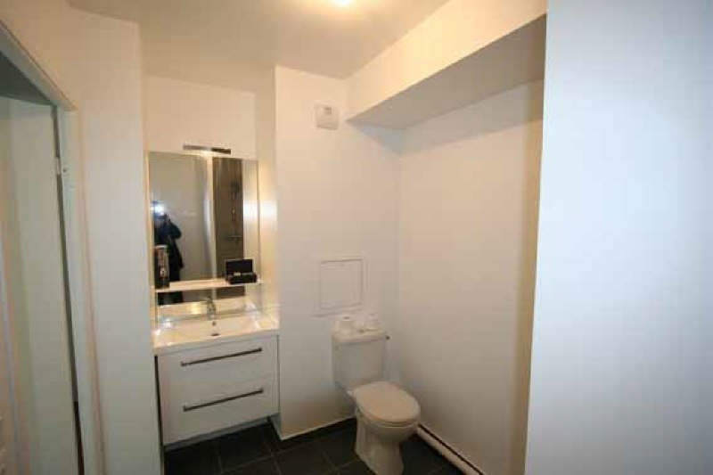 Rental apartment Nanterre 851€ CC - Picture 2