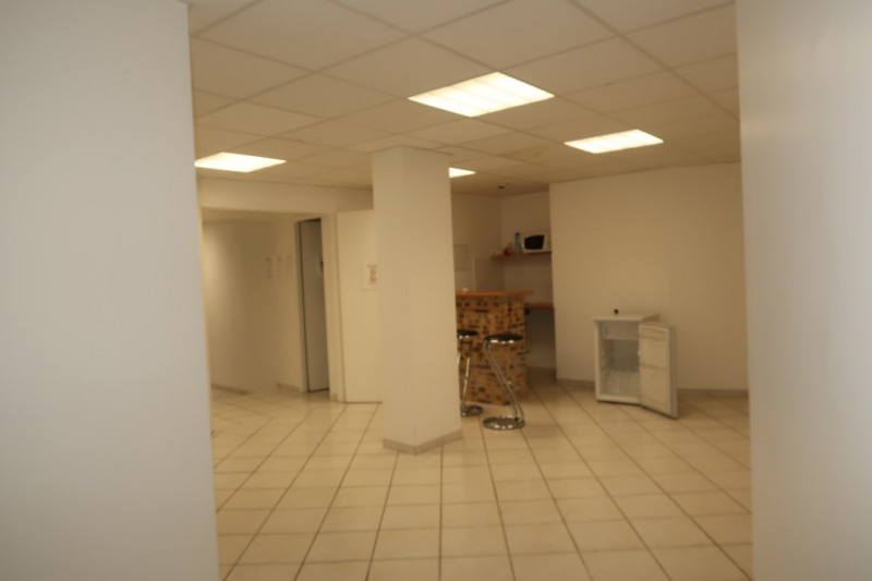Location local commercial Limoges 850€ CC - Photo 9