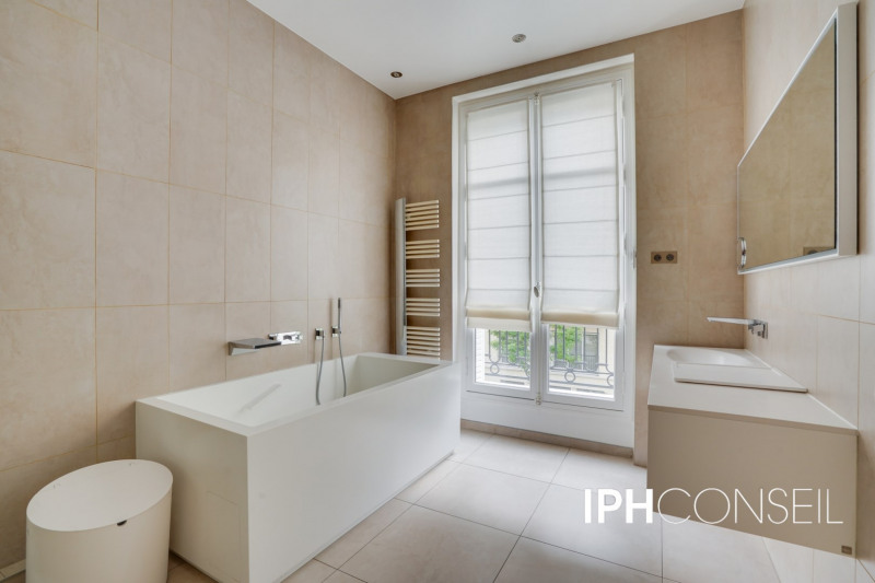 Deluxe sale apartment Neuilly-sur-seine 2200000€ - Picture 10