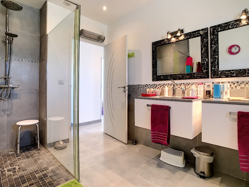 Vente maison / villa Velleron 420000€ - Photo 6