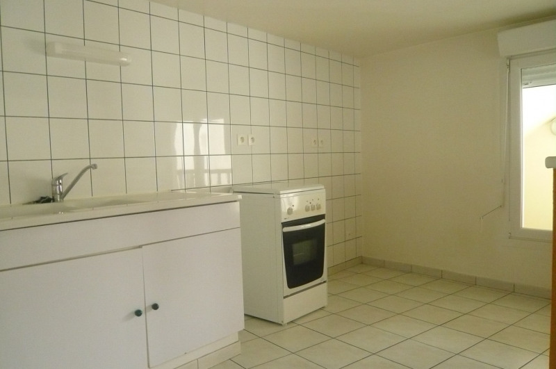 Rental apartment Châlons-en-champagne 470€ CC - Picture 3