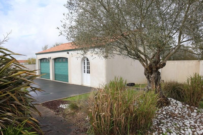 Deluxe sale house / villa Le fenouiller 672000€ - Picture 3