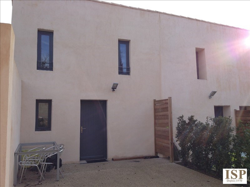 Rental apartment Aix en provence 905€ CC - Picture 1