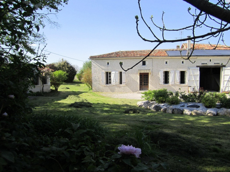 Sale house / villa Barbezieux-saint-hilaire 208 000€ - Picture 2