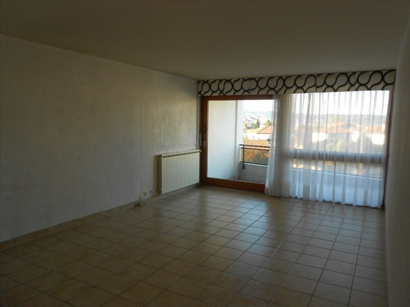 Rental apartment Hendaye 750€ CC - Picture 2