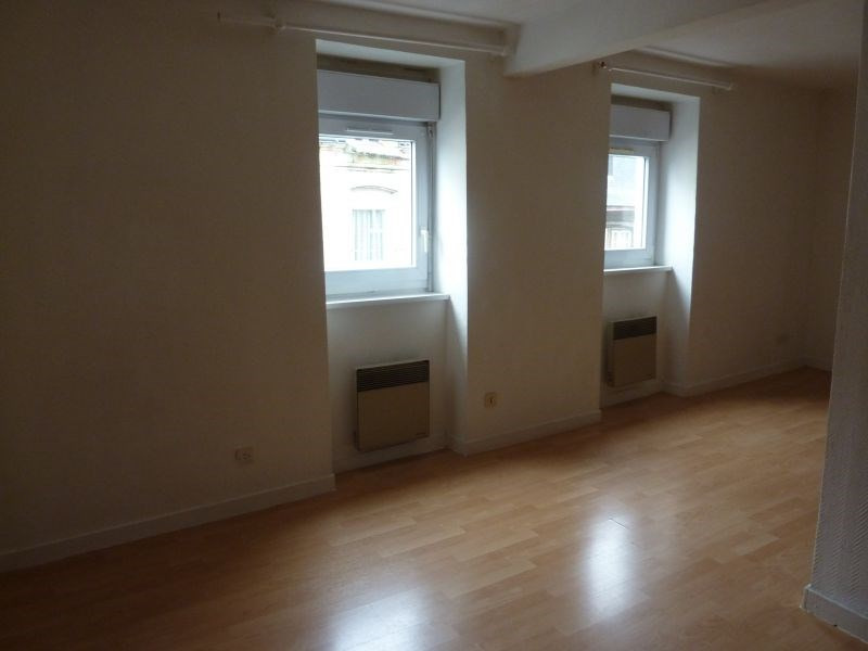 Rental apartment Pontivy 307€ CC - Picture 1