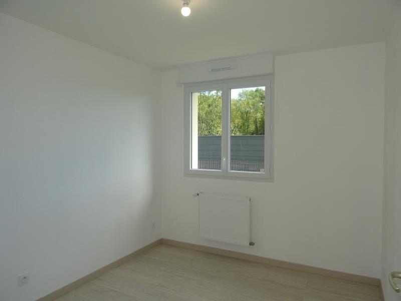 Sale house / villa Breval 220000€ - Picture 5
