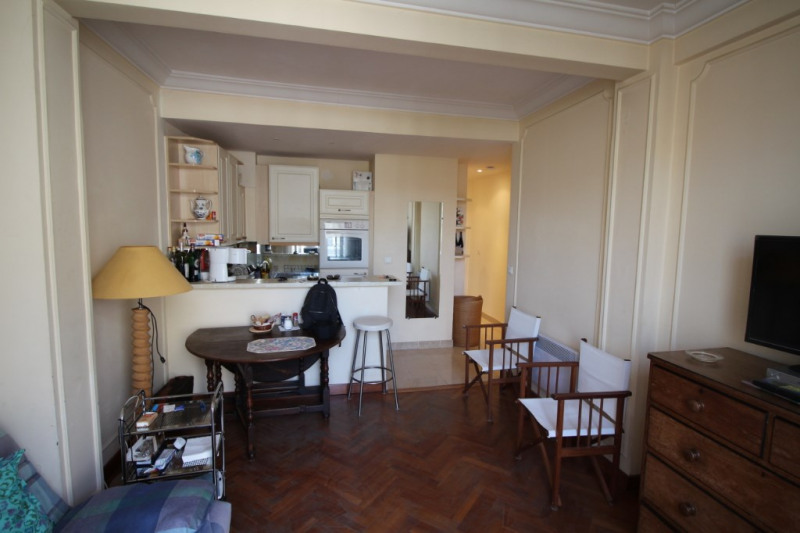 Rental apartment Nice 950€ CC - Picture 2