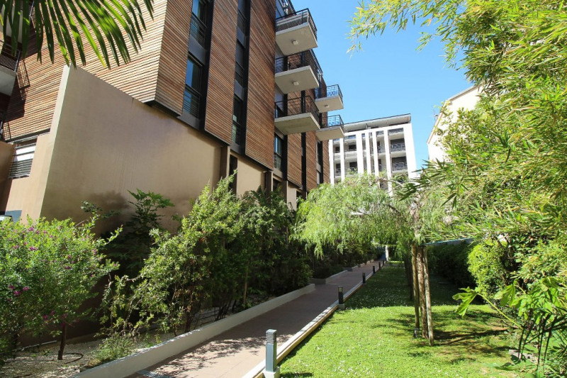 Sale apartment Nice 450000€ - Picture 2
