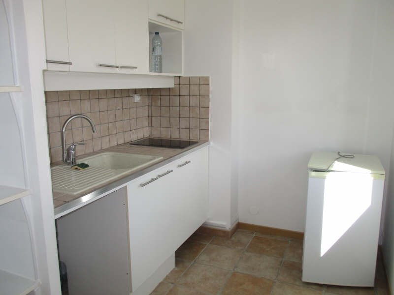 Rental apartment Niimes centre 440€ CC - Picture 5