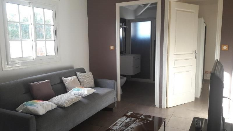 Location maison / villa Le moule 950€ CC - Photo 2