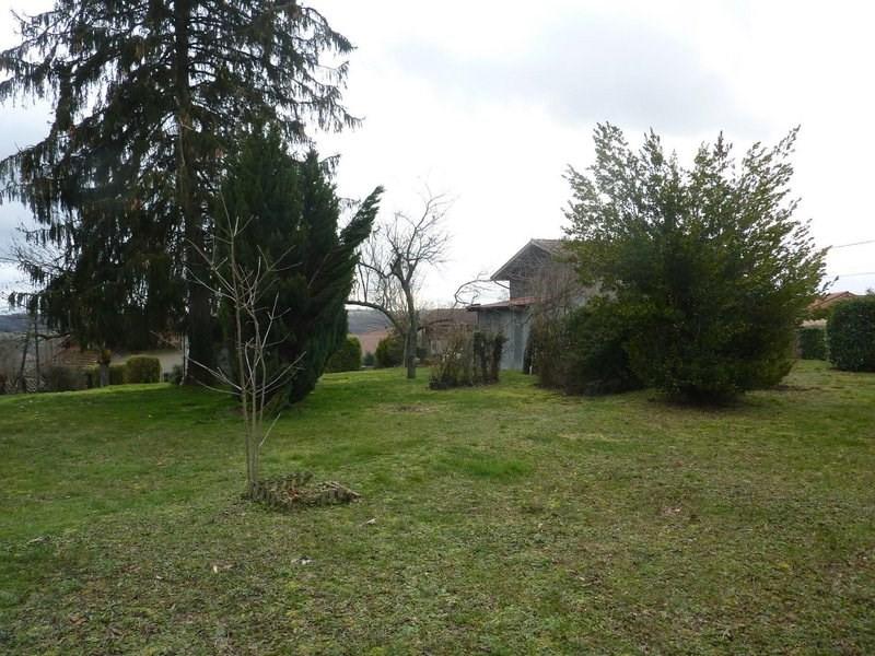 Sale house / villa Maubec 220000€ - Picture 1