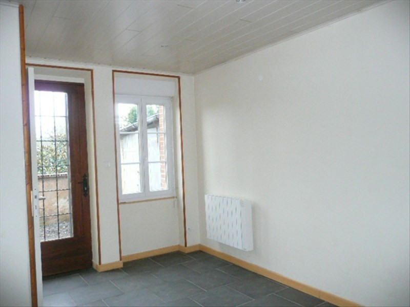 Location maison / villa Aubigny sur nere 363€ CC - Photo 2