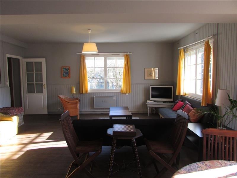 Sale house / villa Verdelot 240000€ - Picture 2