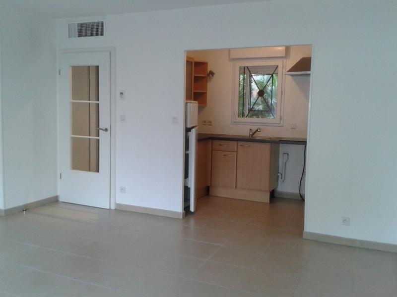 Location appartement Saint aygulf 610€ CC - Photo 1