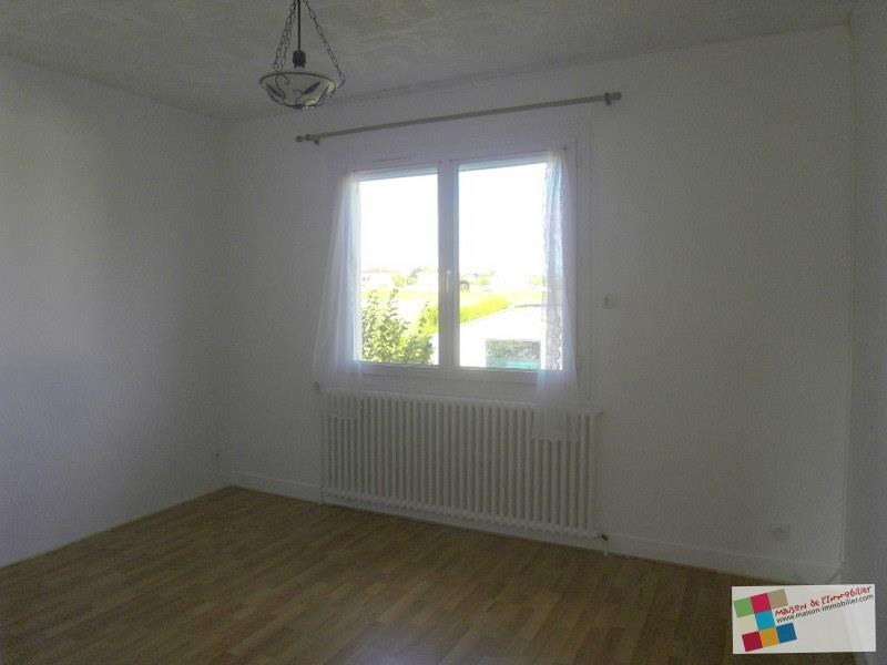 Location maison / villa Chateaubernard 850€ CC - Photo 5