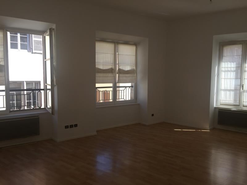 Location appartement Strasbourg 925€ CC - Photo 2