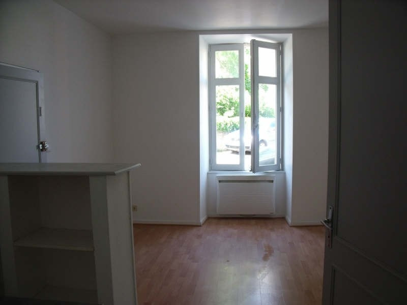 Location appartement Poitiers 345€ CC - Photo 3