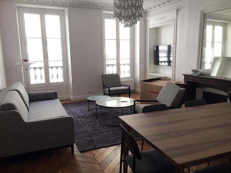 Alquiler  apartamento Paris 10ème 2600€ CC - Fotografía 1