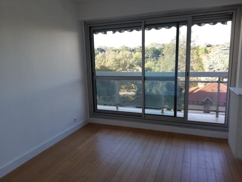 Location appartement Paris 14ème 3 071€ CC - Photo 3