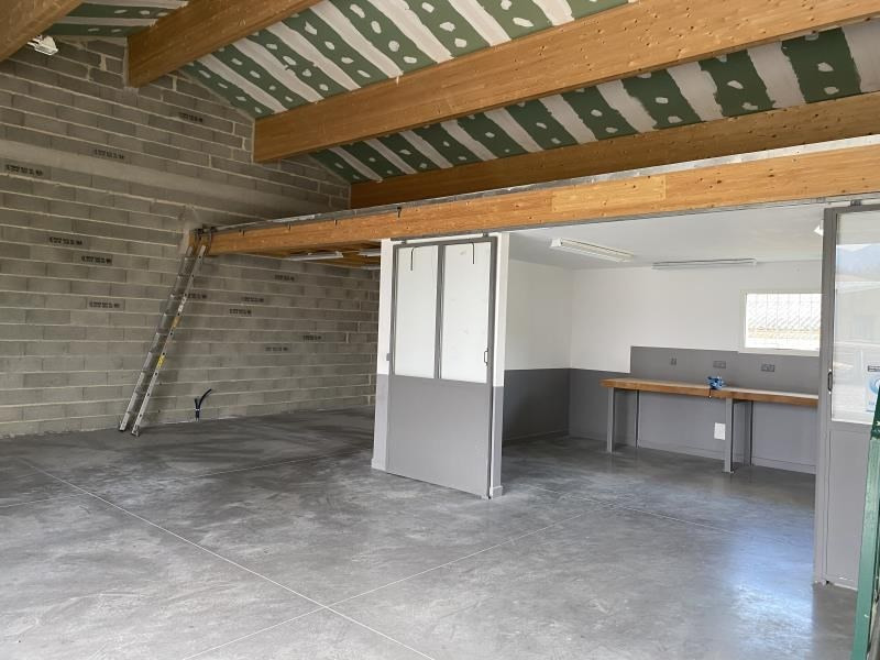 Location local commercial Montvendre 980€ HT/HC - Photo 4