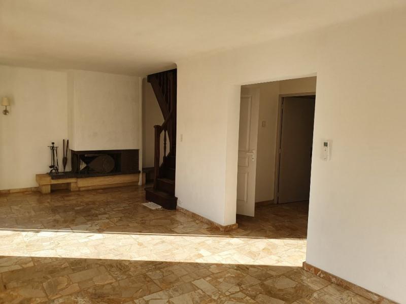 Location maison / villa Meyrargues 1250€ CC - Photo 11