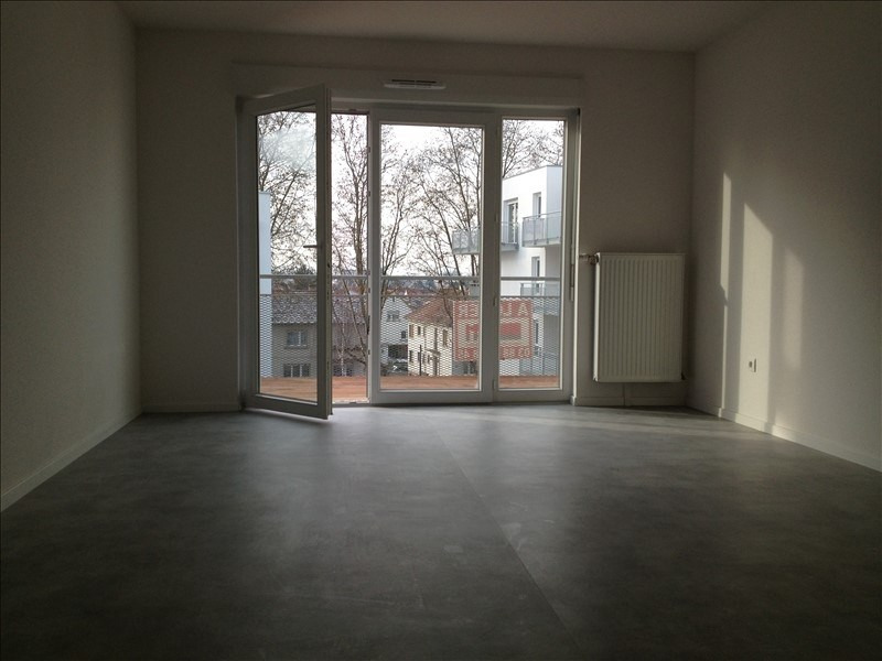 Rental apartment Strasbourg 736€ CC - Picture 2