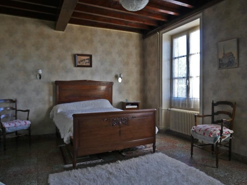 Sale house / villa Bully 420 000€ - Picture 5