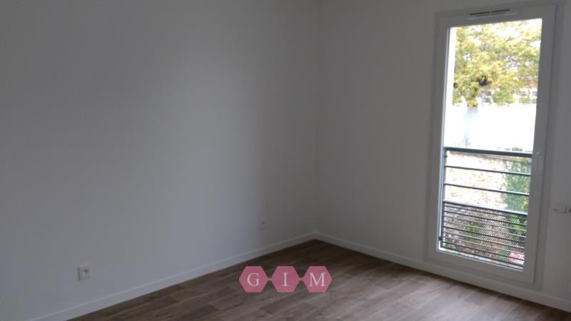 Location appartement Carrieres sous poissy 711€ CC - Photo 5