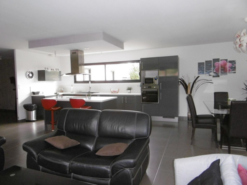 Sale house / villa Montmain 308000€ - Picture 6